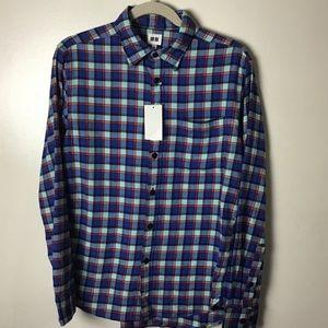 Uniqlo blue plaid cotton button down shirt. Small